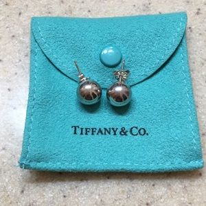 Tiffany & Co. 10 mm earrings